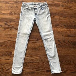 Levi's Straight Leg Skinny Jean